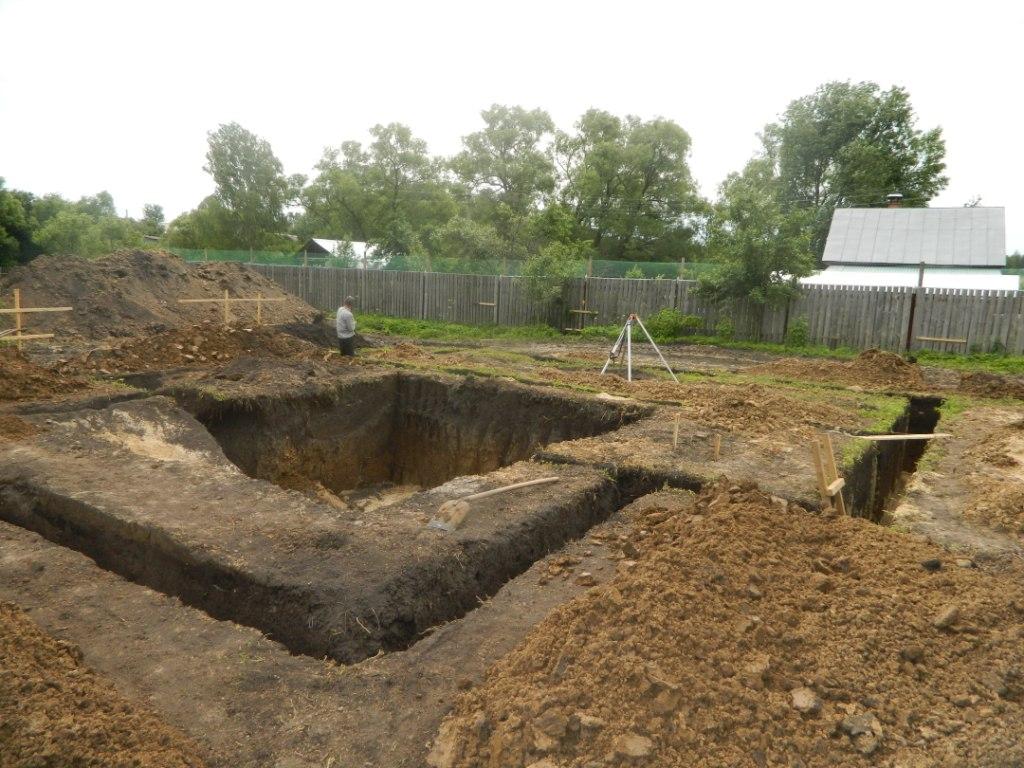 Фундамент под каркасный дом в деревне